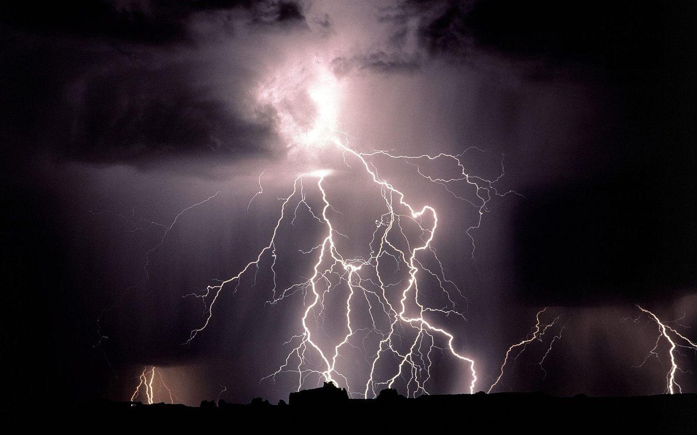 72 Lightning Bolt Wallpaper On Wallpapersafari