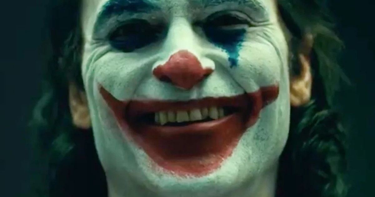 Joaquin Phoenix Joker Makeup On Set Images Cosmic Book News 1200x630