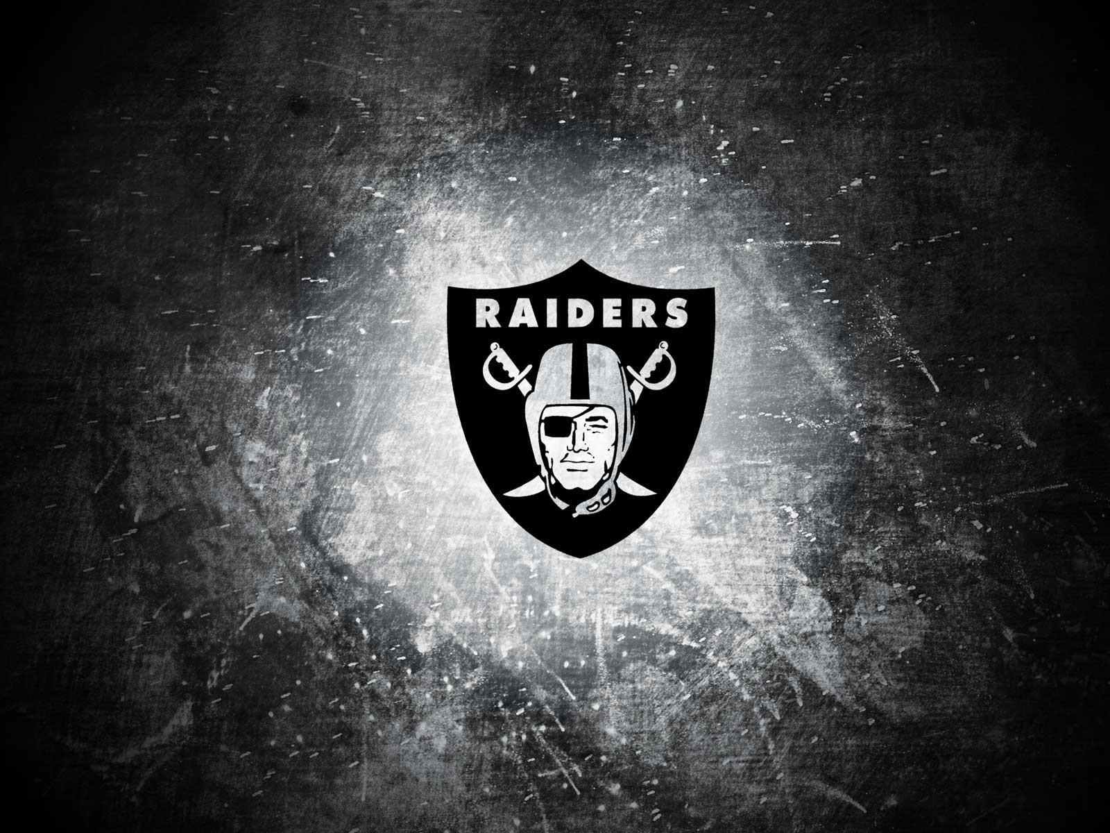 Oakland raiders logo wallpaper 85745 1600x1200