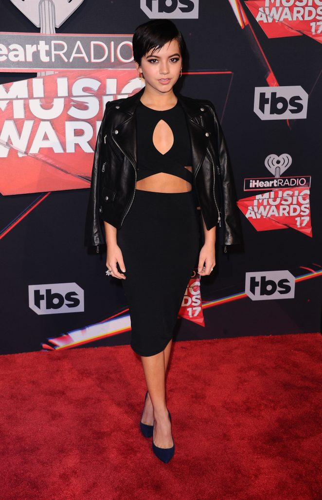 Isabela Moner   2017 iHeartRadio Music Awards in Los Angeles 662x1027