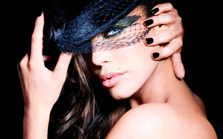 Gorgeous Girl Black Hat Wallpaper 2880x1800
