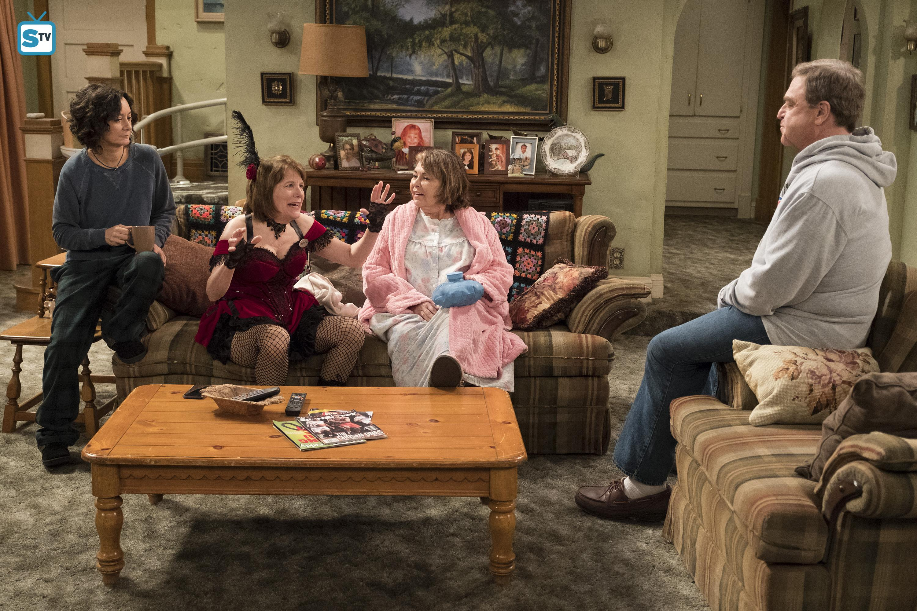 Roseanne images 10x08   Netflix and Pill   Darlene Crystal 3000x2000