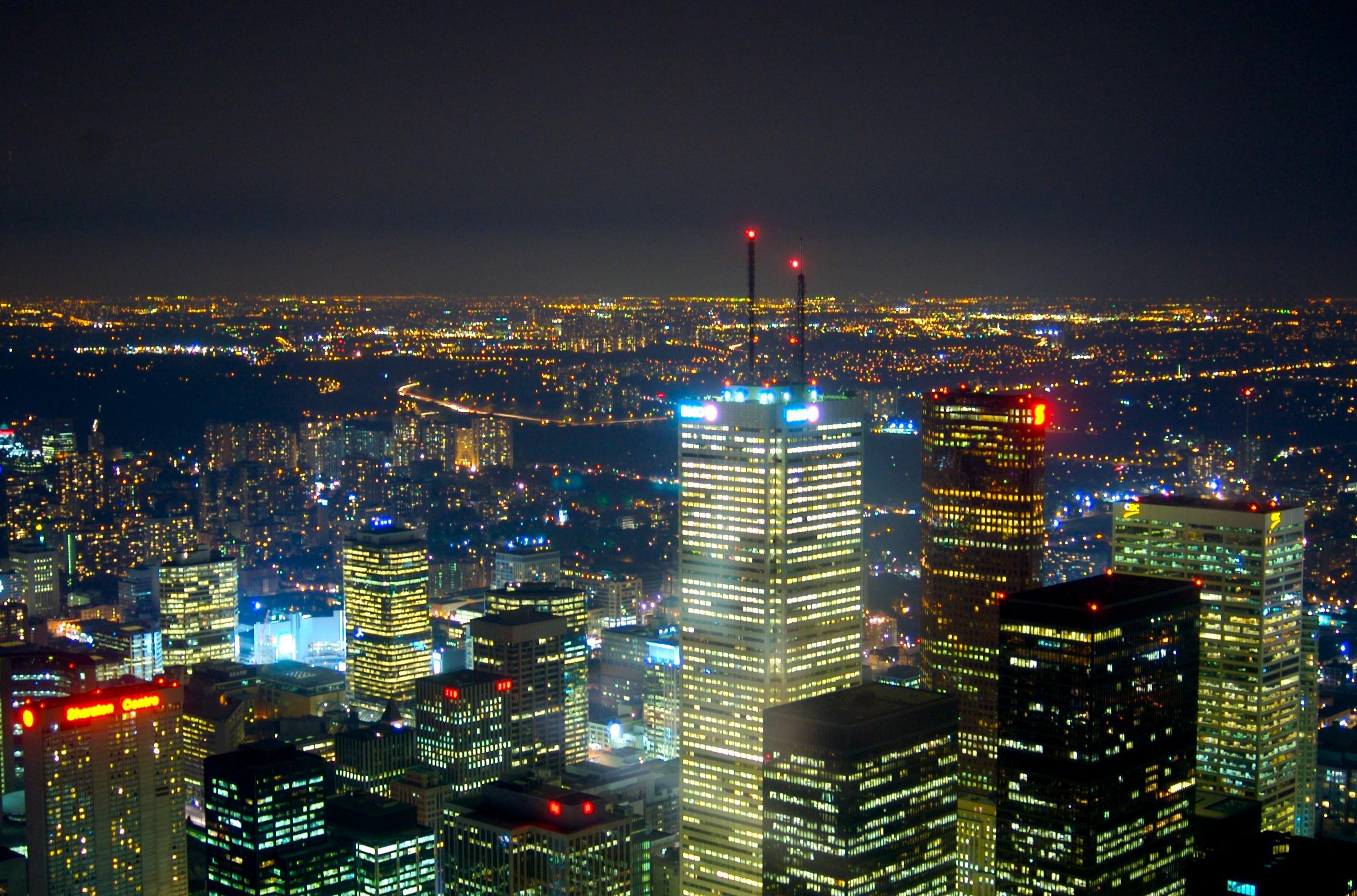 Description A view of Toronto at nightjpg 2828x1868