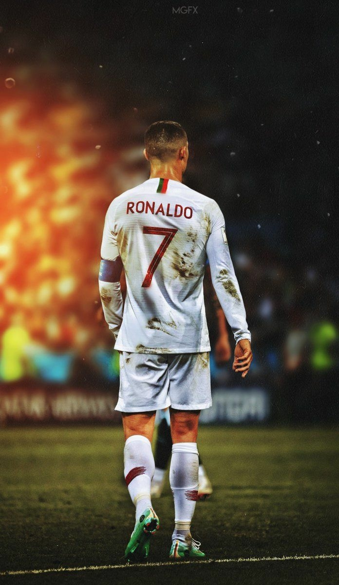 Download] Cristiano Ronaldo Images Photos Pictures and Wallpapers 696x1200