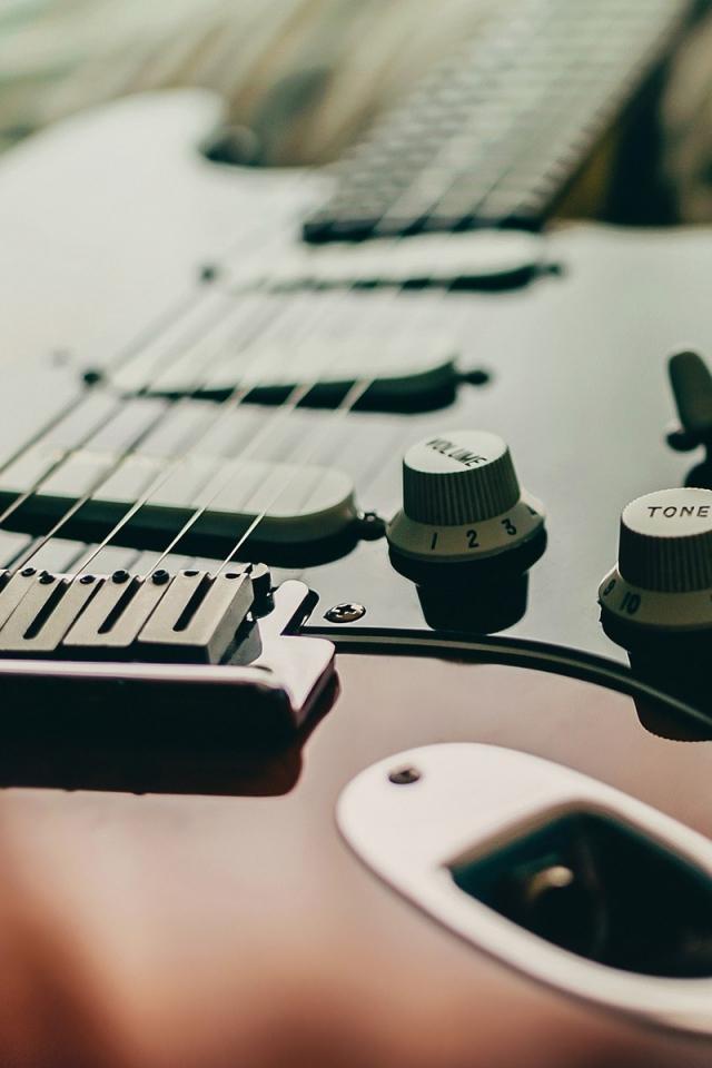 48 Bass Guitar Iphone Wallpaper On Wallpapersafari
