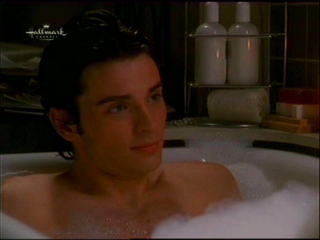 Tom Welling wallpapers NEWS FUTURE 1024x768