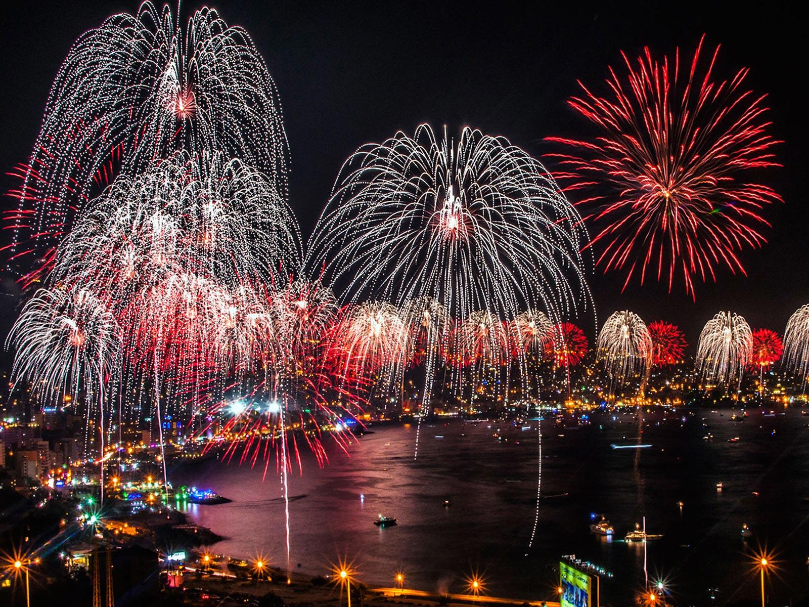 73] Fireworks Background on WallpaperSafari 1600x1200