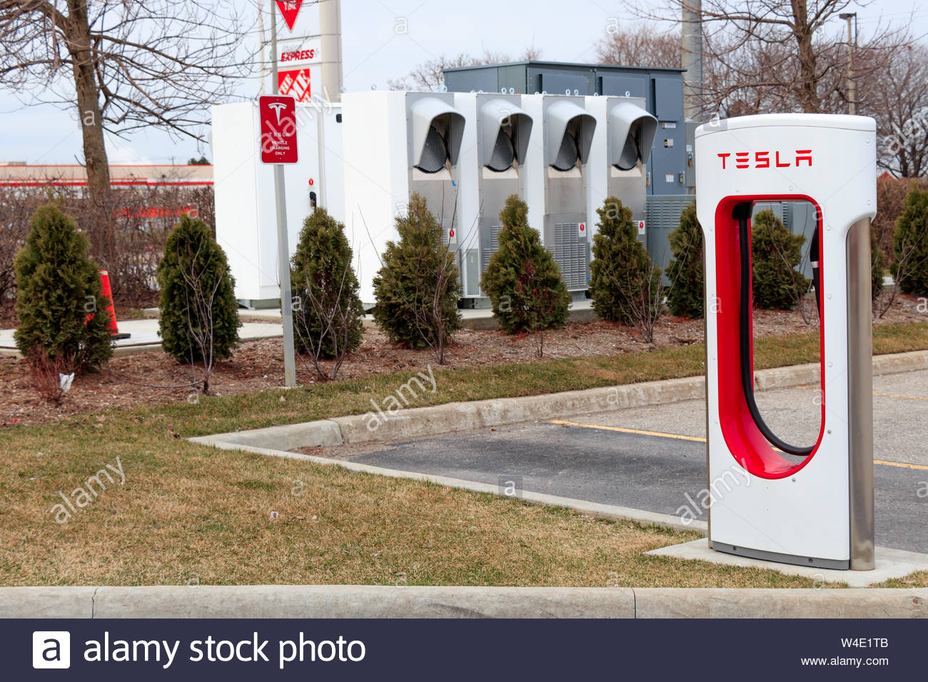 Tesla Supercharger Stall with Tesla powercharging technology in 1300x956