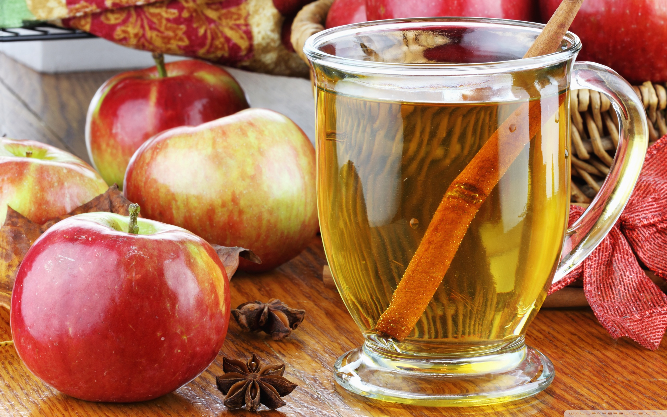 Apple Juice Wallpaper   HQ Wallpapers download 100 high quality 2560x1600