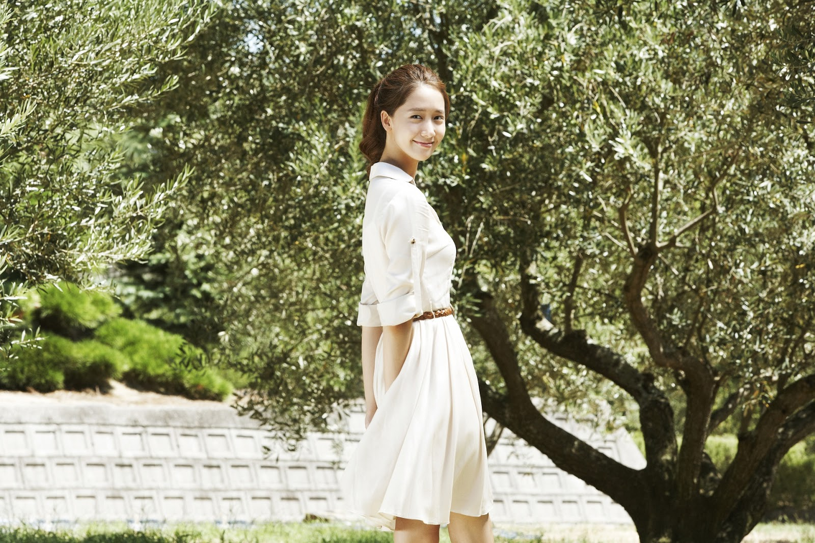 click wallpaper to enlarge snsd yoona innisfree wallpaper hd 1600x1067