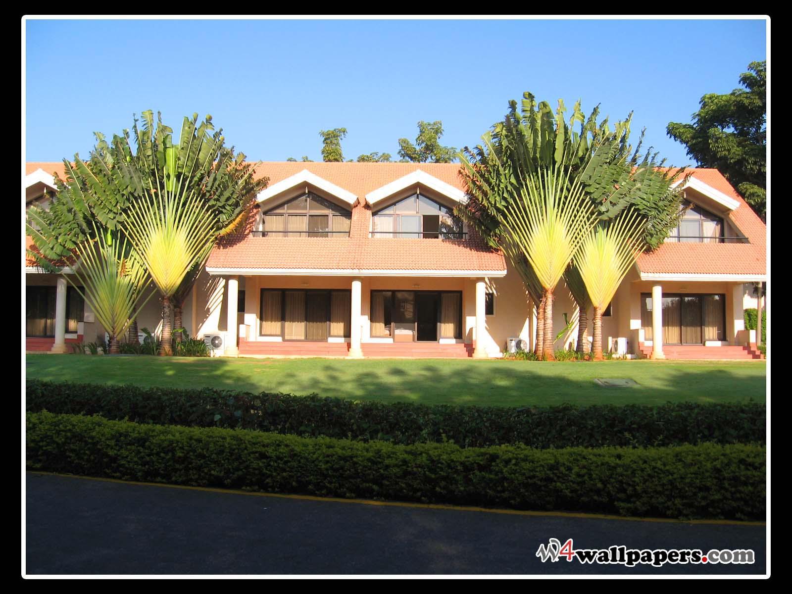 Free home exterior desktop wallpaper wallpapersafari for Wallpaper home india