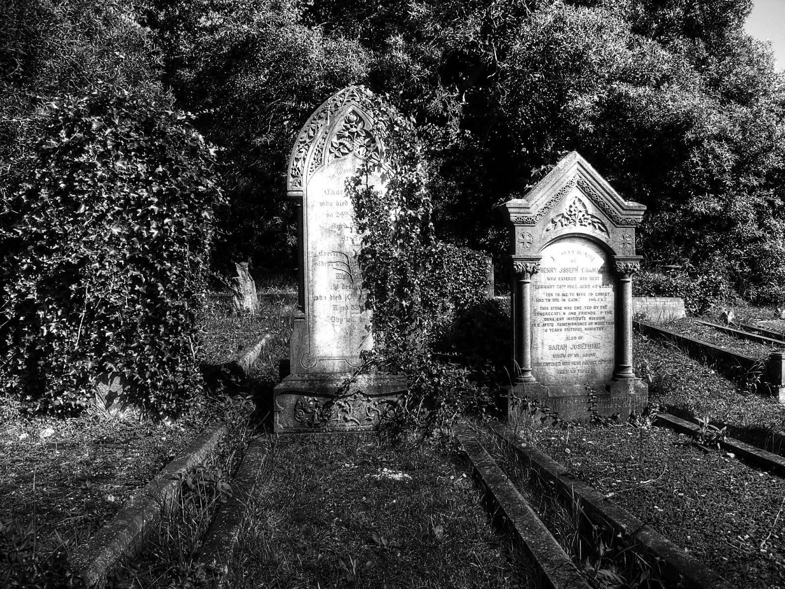 [42+] Spooky Graveyard Wallpaper on WallpaperSafari