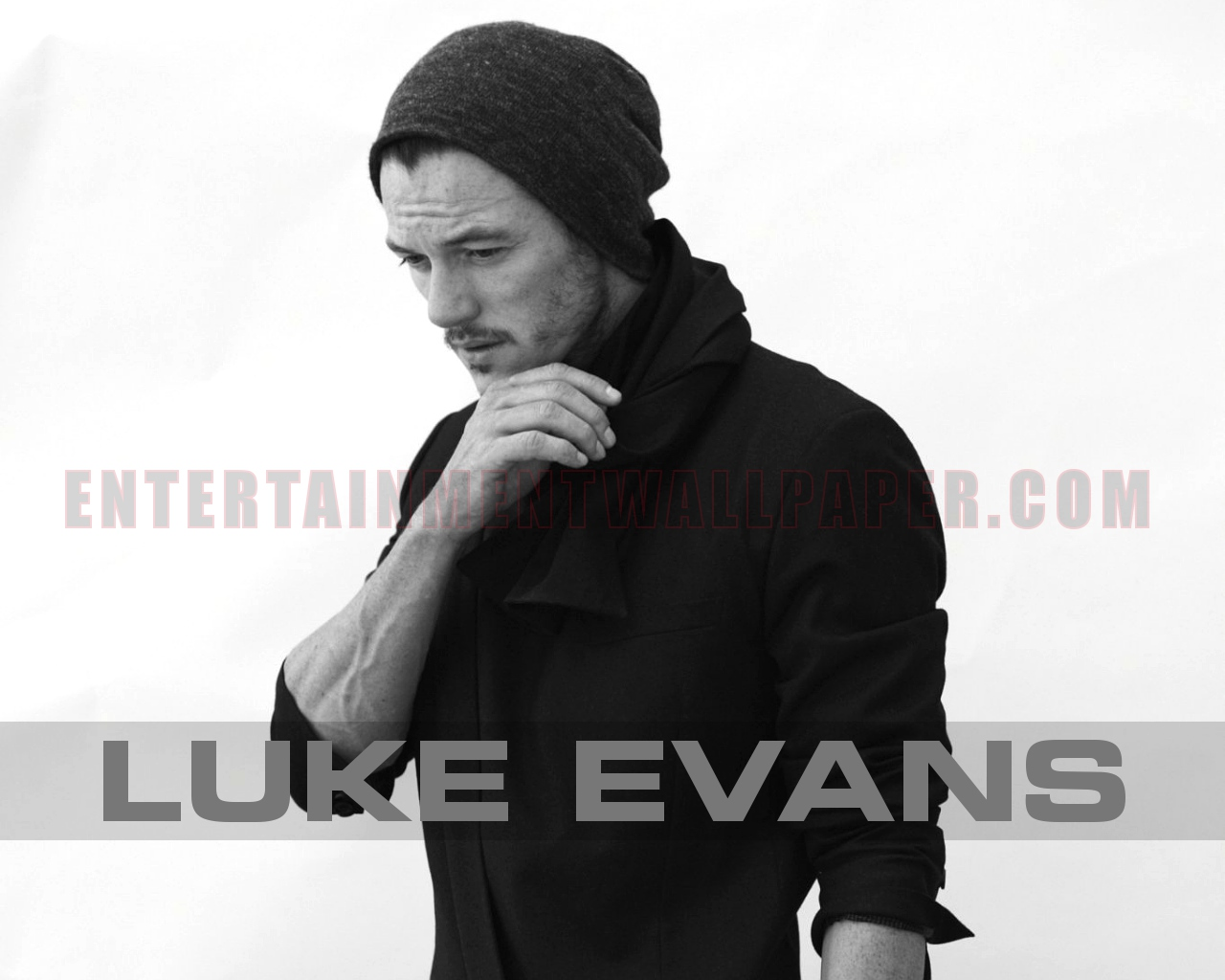 luke evans wallpaper 30039244 size 1280x1024 more luke evans wallpaper 1280x1024