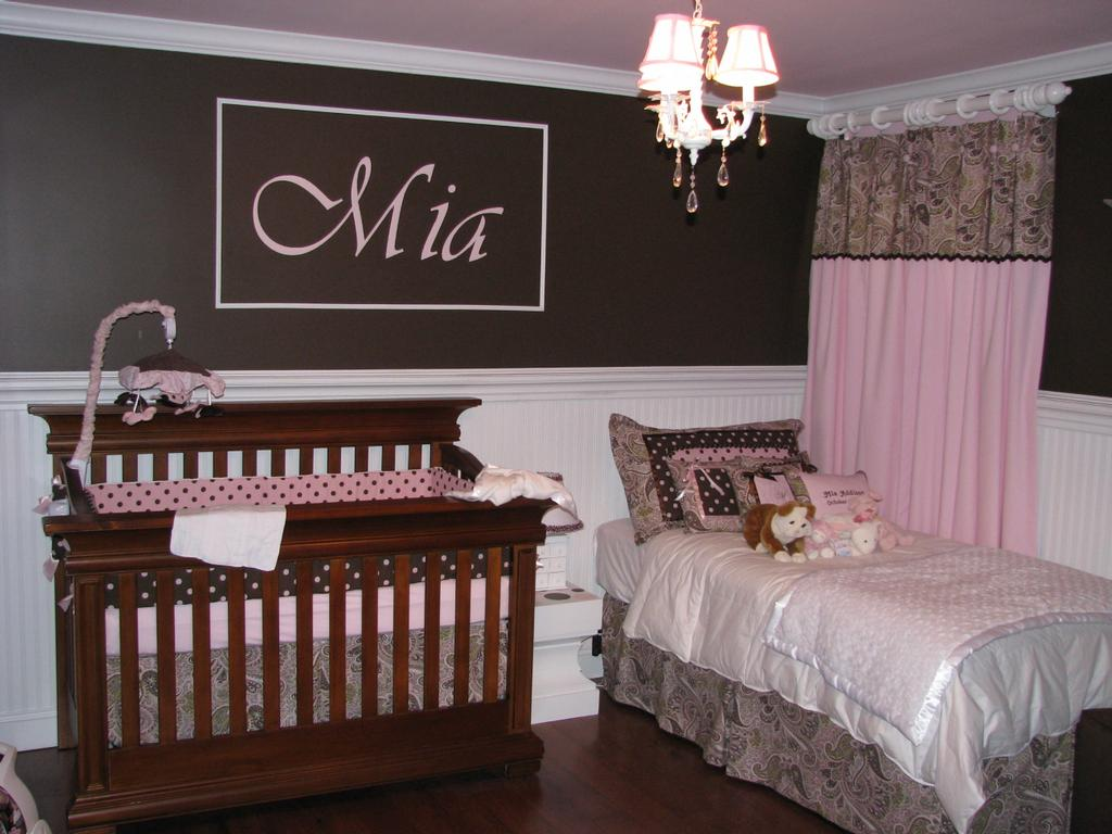 Baby room wallpaper wallpapersafari for Baby room wallpaper