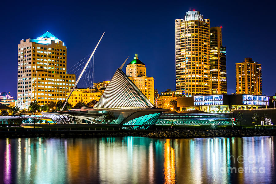 Milwaukee Wallpaper 900x600