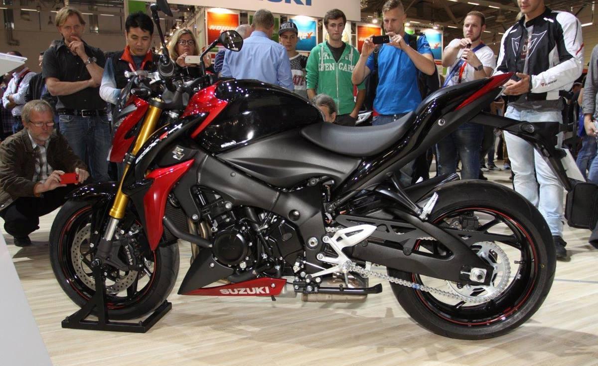 Yamaha R1 2016 1280x770