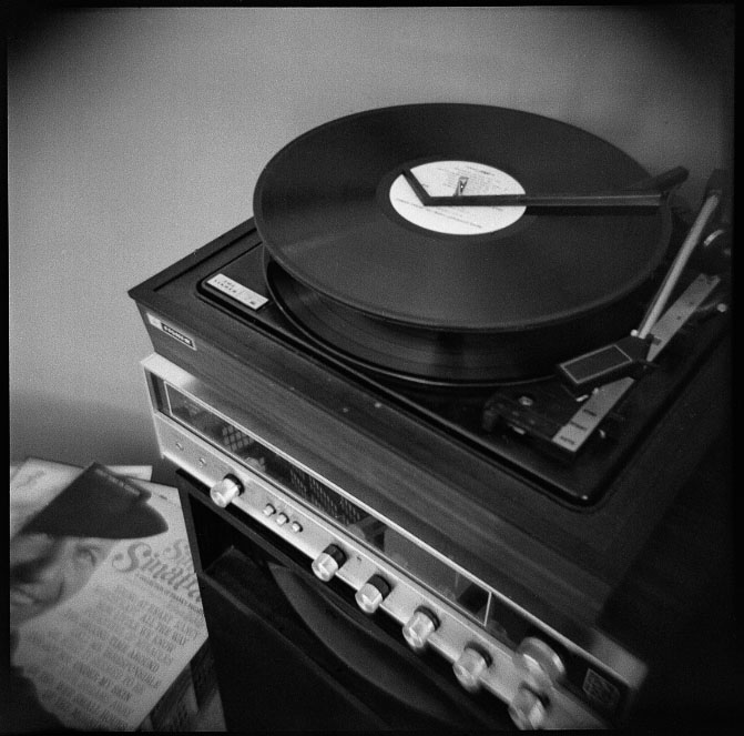 record playerjpg phone wallpaper by oliviaalicia 671x663