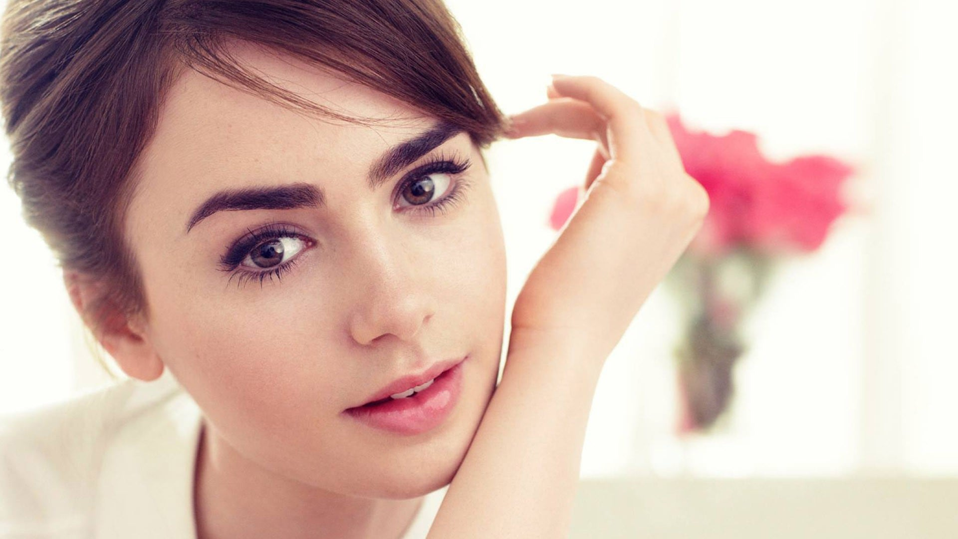 Lily Collins Hot HD Wallpapers Sexy HD Images Pictures 1920x1080