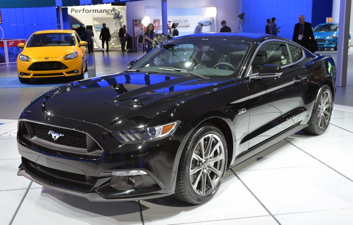 2015 ford mustang black wallpaper design very suitable as a wallpaper 706x450