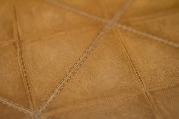 leather look wallpaper 600x400