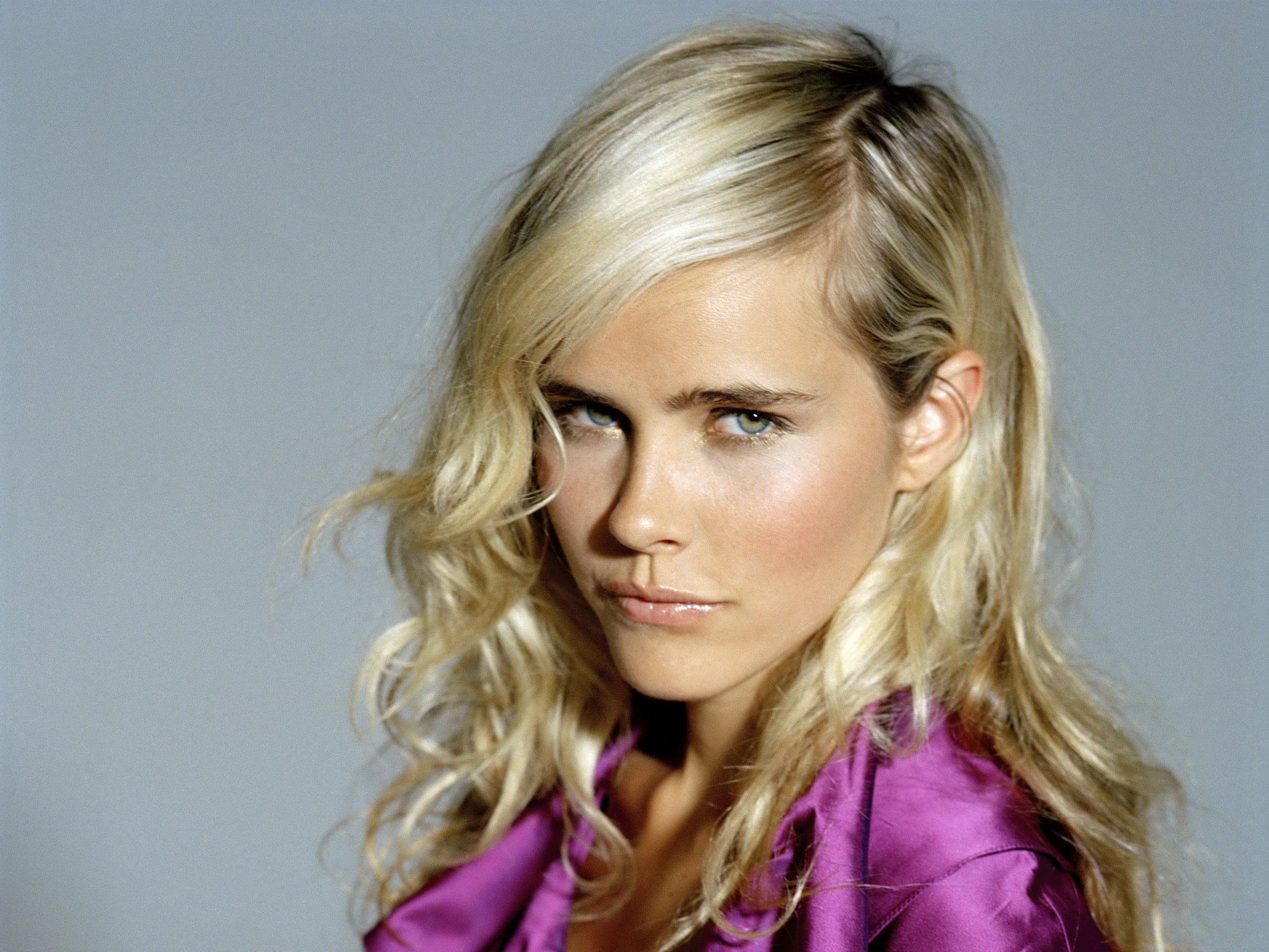 Excellent Isabel Lucas Wallpaper Full HD Pictures 2560x1920