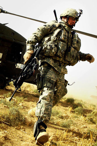 Army helicopter and a soldier wallpaper for iPhone 4 333x500