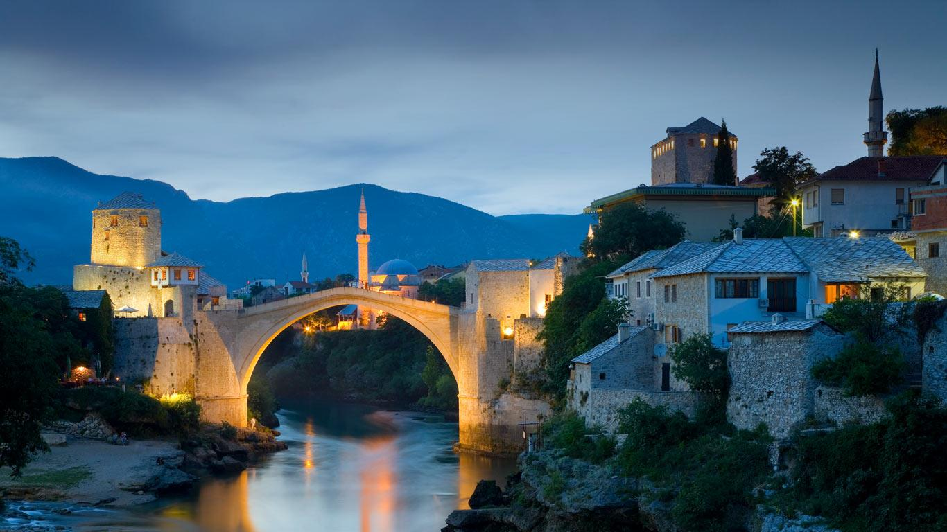 Stari Most bridge over the Neretva river in Mostar Bosnia and 1366x768