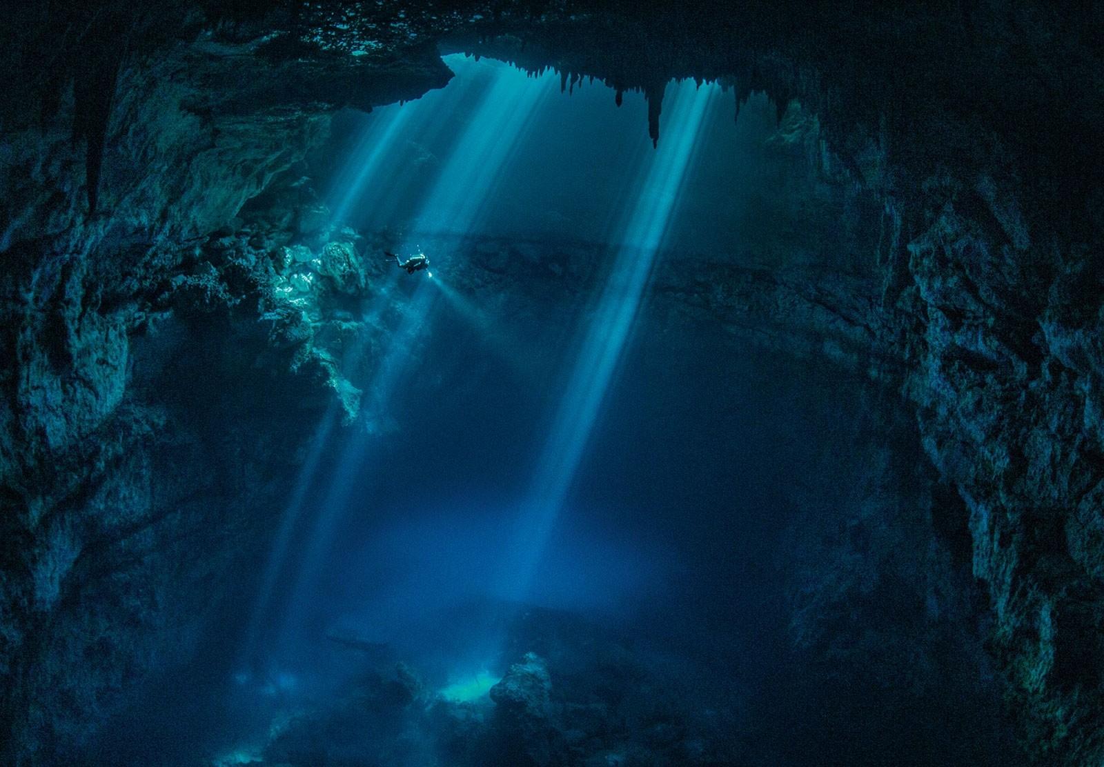Underwater Cave Wallpaper - WallpaperSafari