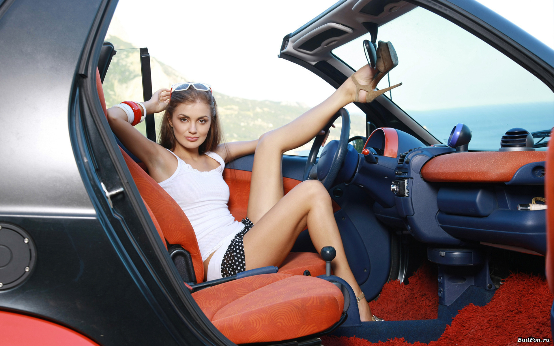 Sexy girl in her Smart roadster car Cars and girls Pinterest 1920x1200