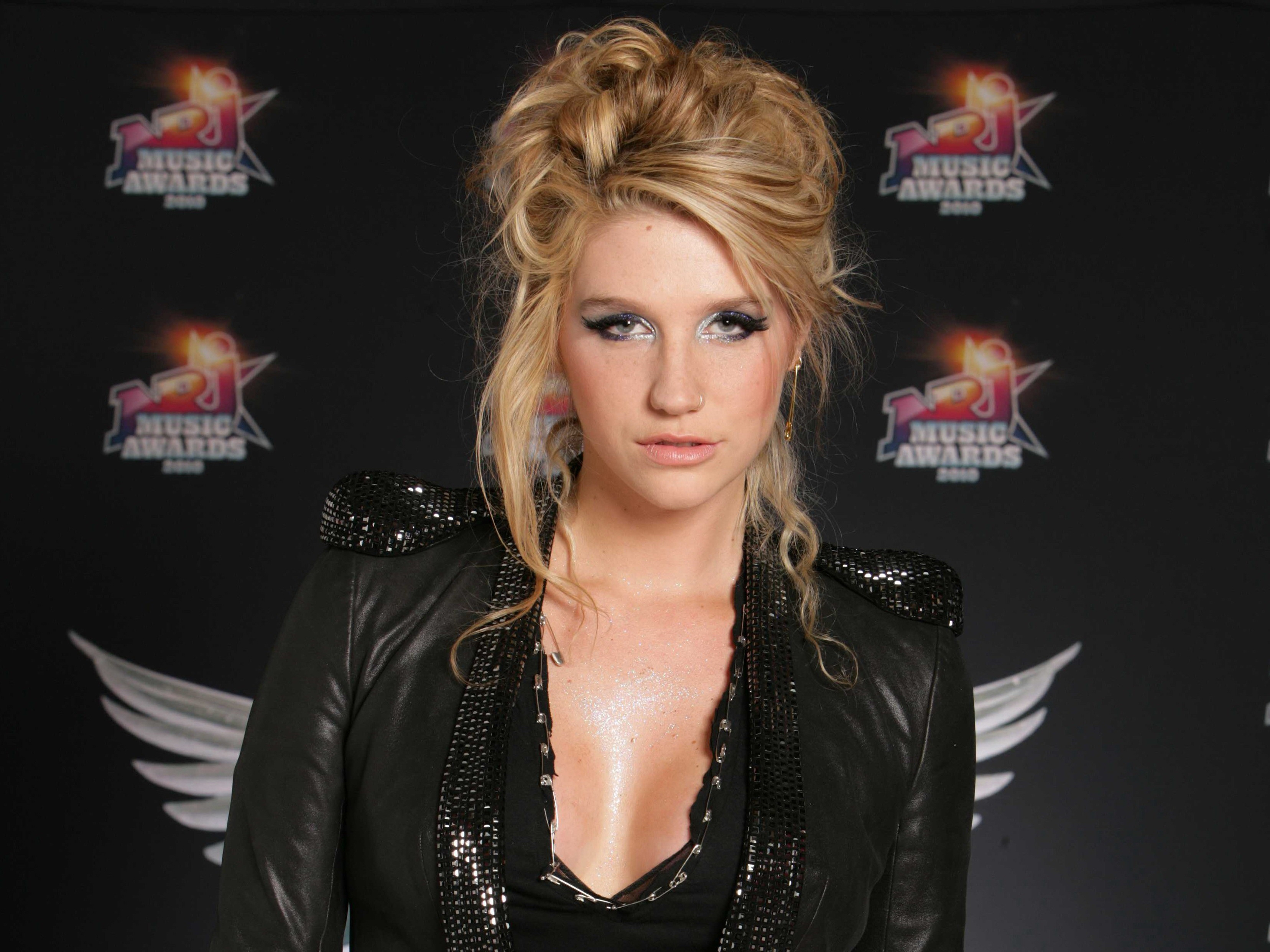 Kesha Wallpapers Images Photos Pictures Backgrounds 3312x2484