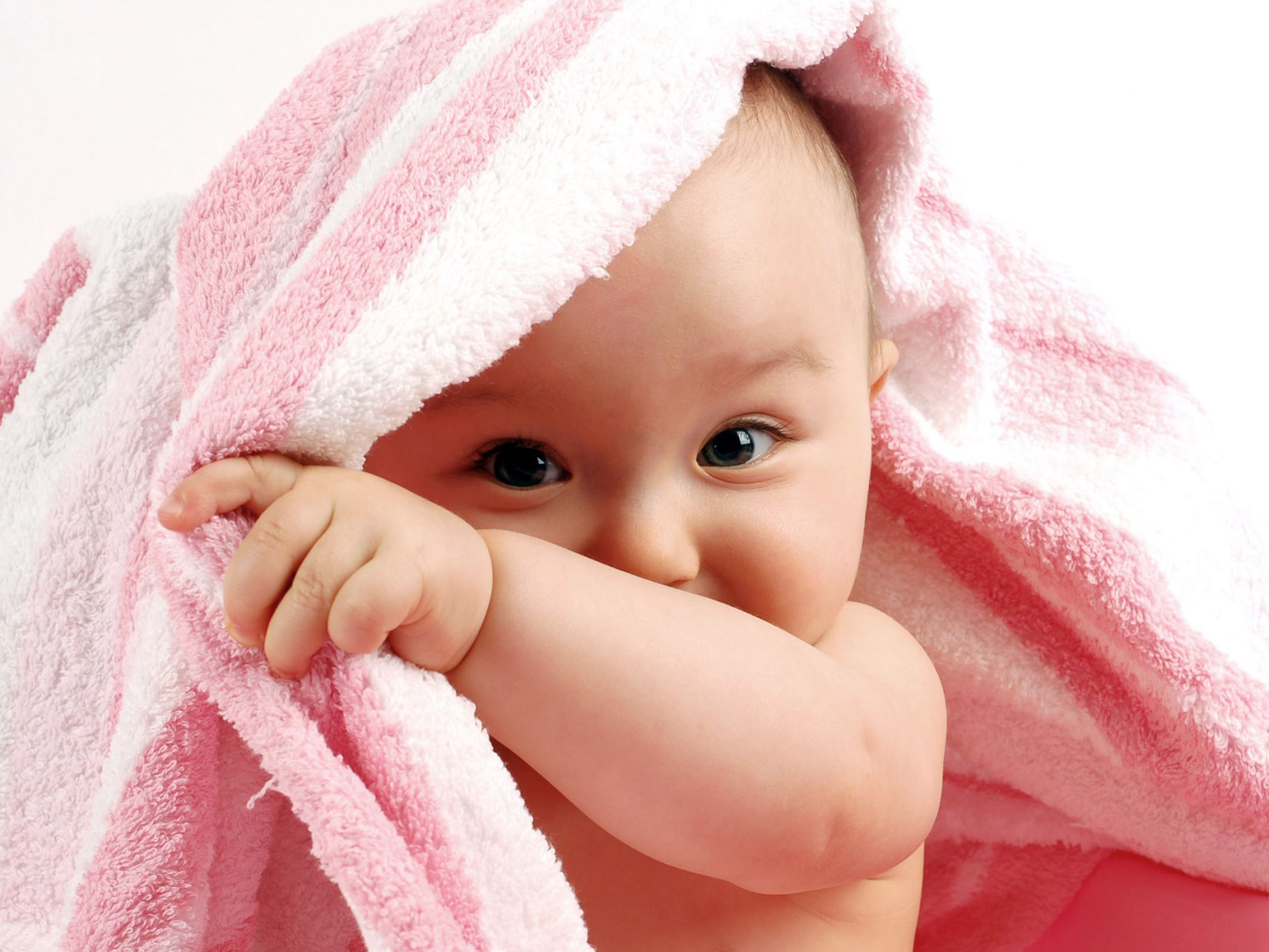 Very cute baby wallpapers pictures 3 2097x1573