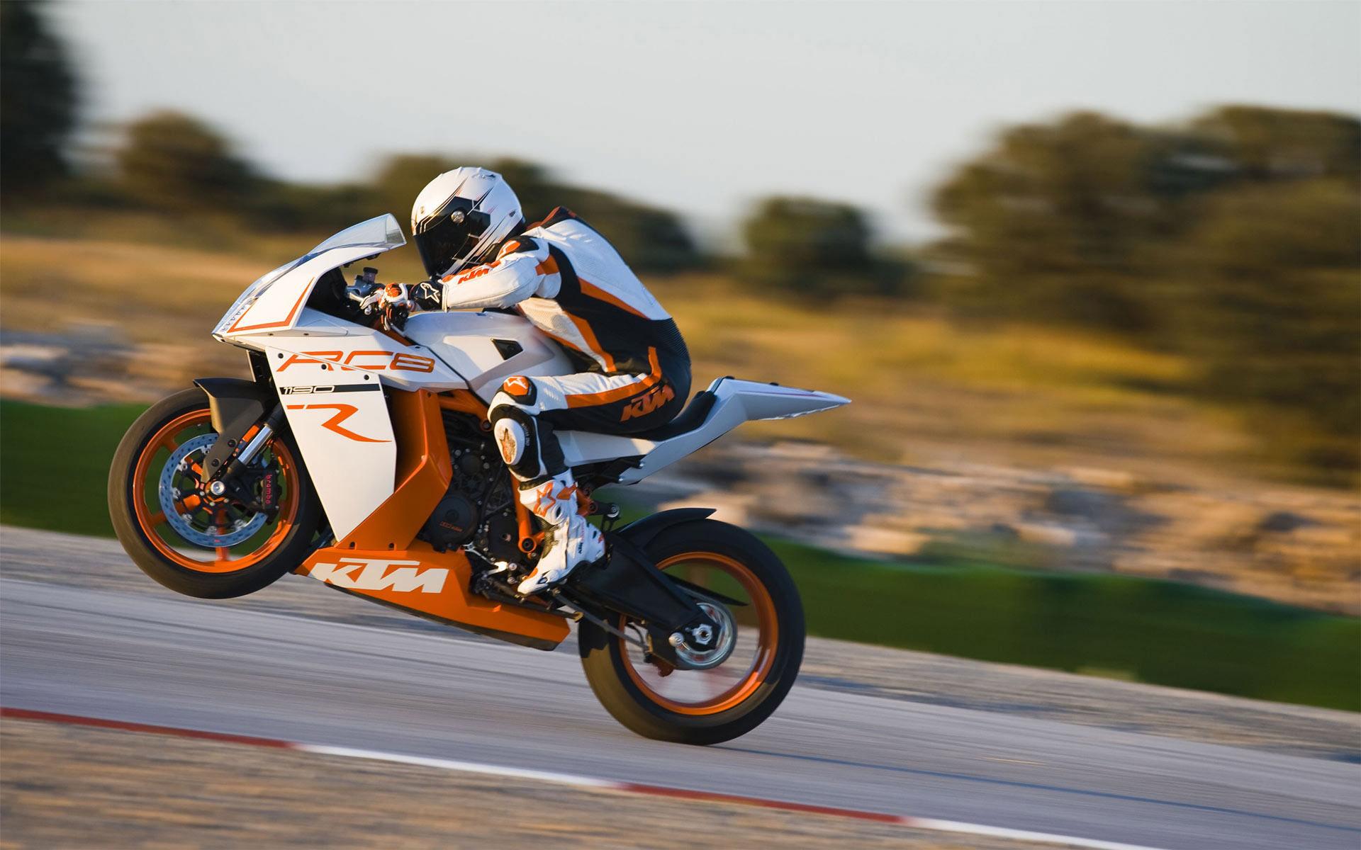MotoGP wallpaper 4221 1920x1200
