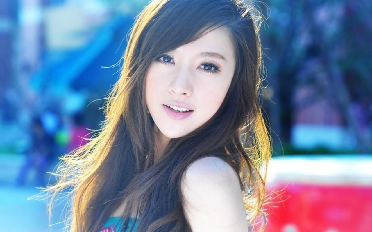 Asian gallery girl wallpaper