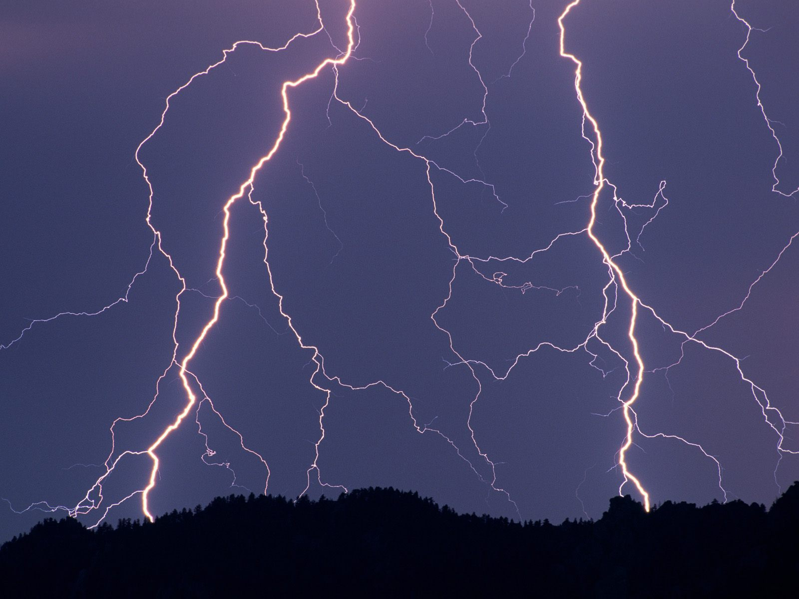 Go Back Images For Lightning Strikes Wallpaper 1600x1200