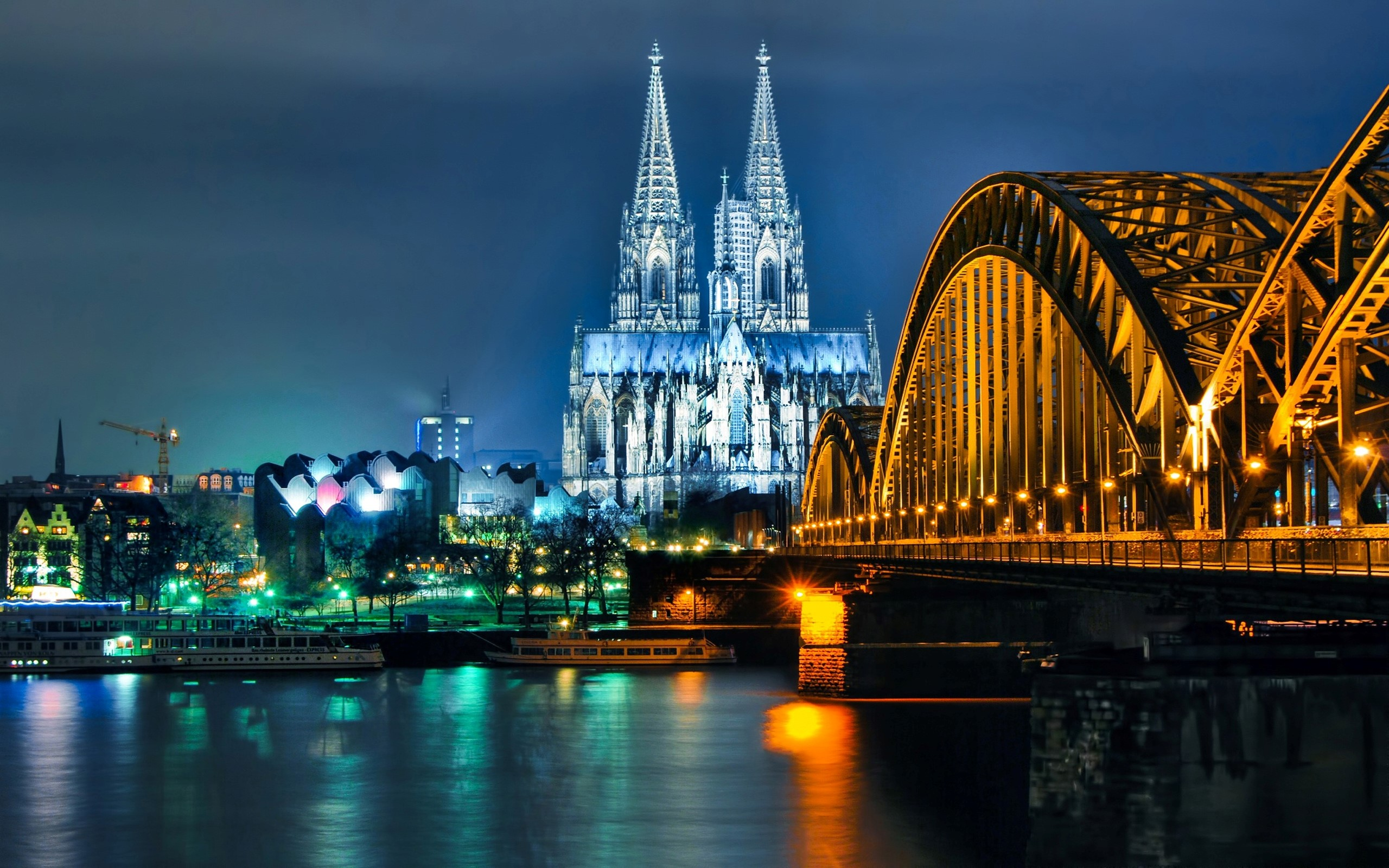 Cologne Cathedral in City Cologne of Germany Wallpaper HD Wallpapers 2560x1600