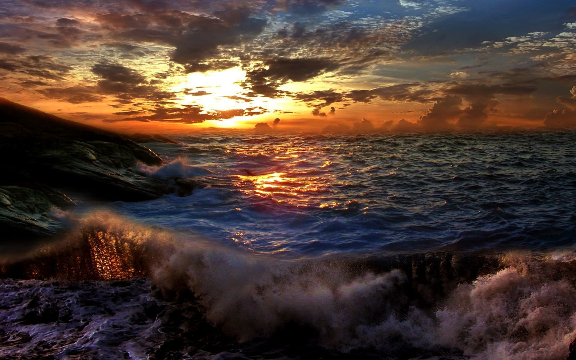 Zastaki Com Sunset on a Stormy Sea Wallpaper