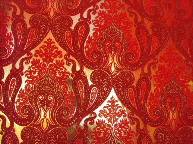 too am here Daring Red Wallpaper and the Office 640x480