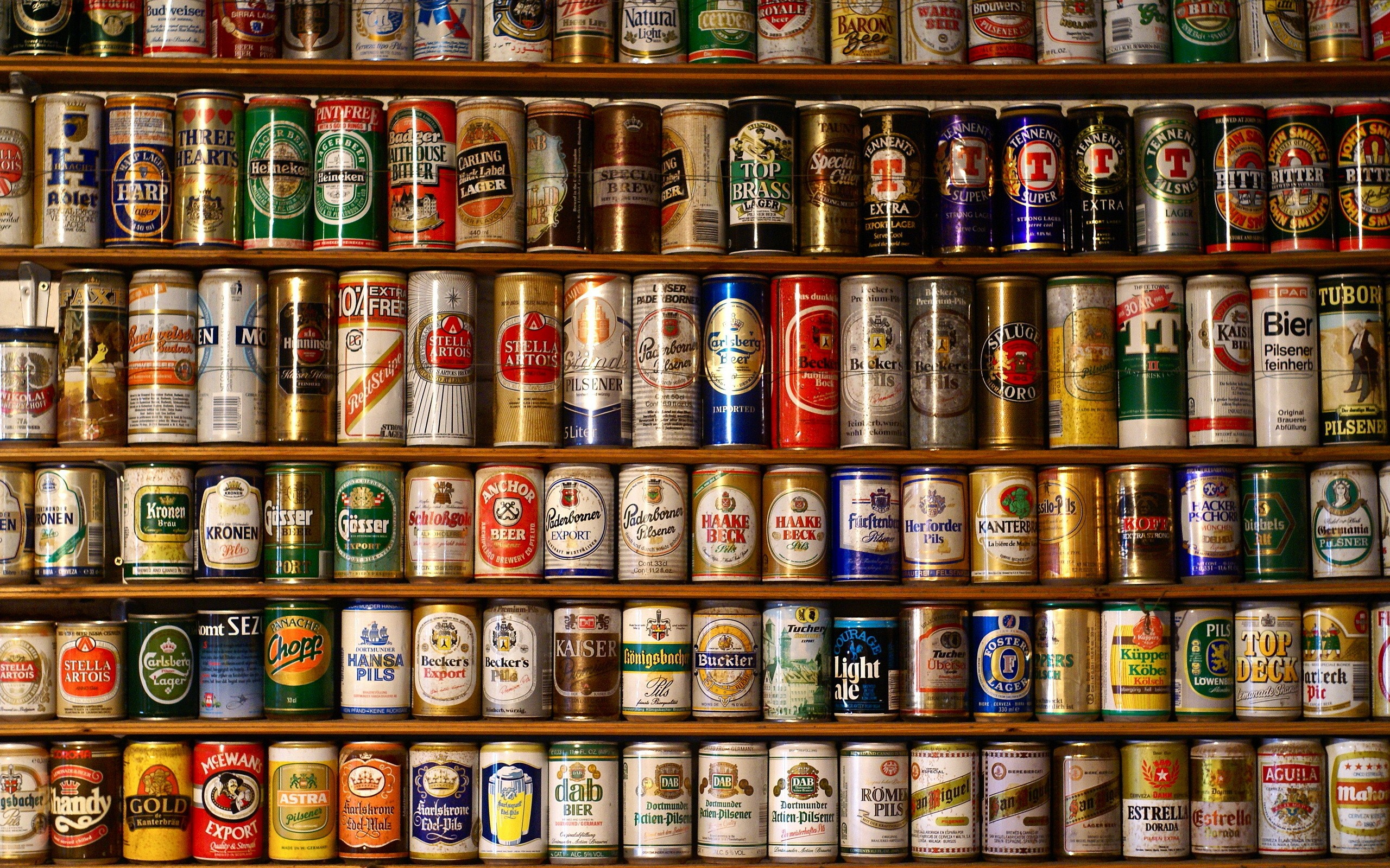 Wallpapers Wall of Beer Myspace Backgrounds Wall of Beer Backgrounds 2560x1600