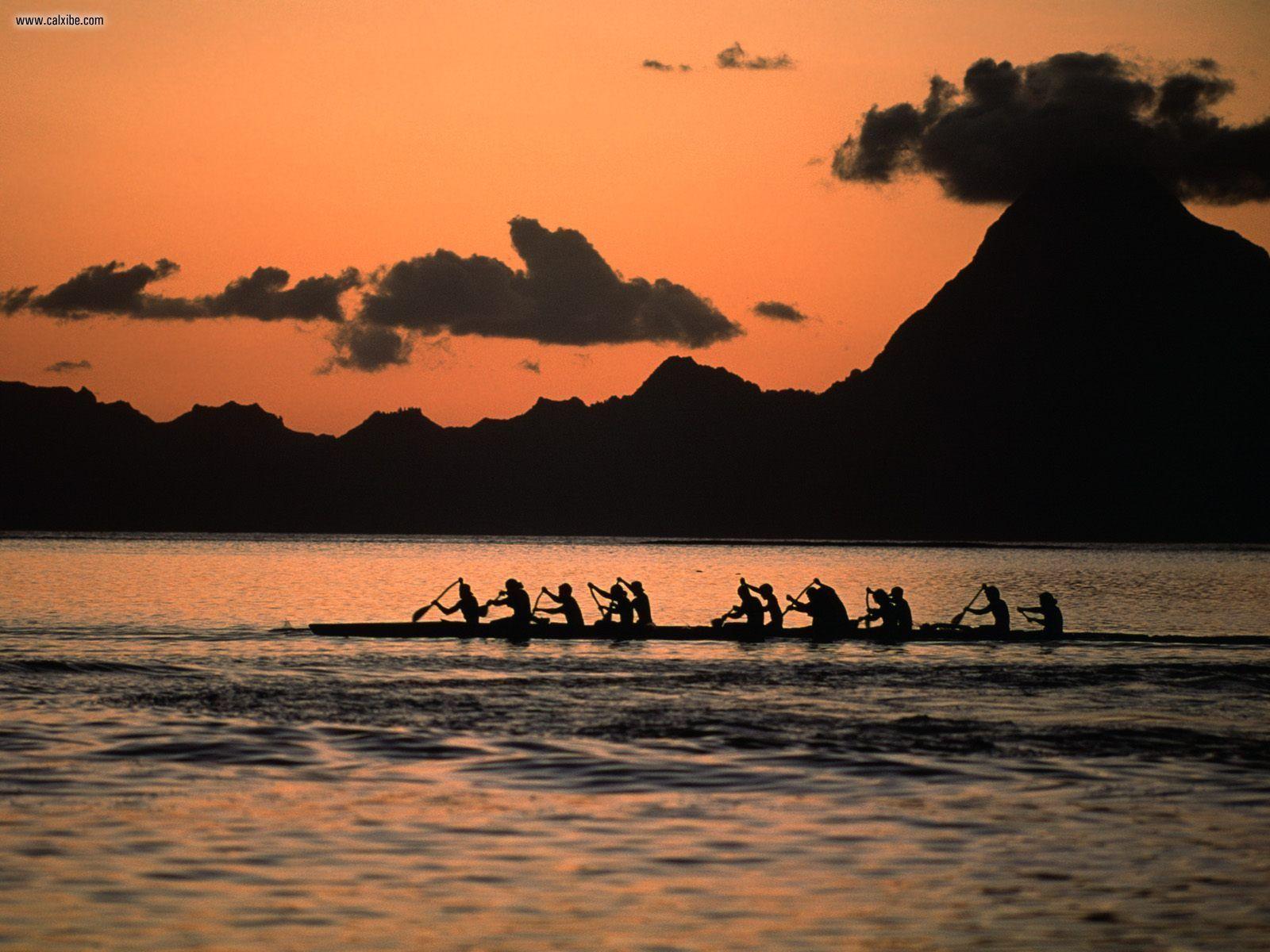 Tahitian Vaa The Sand Beneath My Toes Outrigger canoe Tahiti 1600x1200