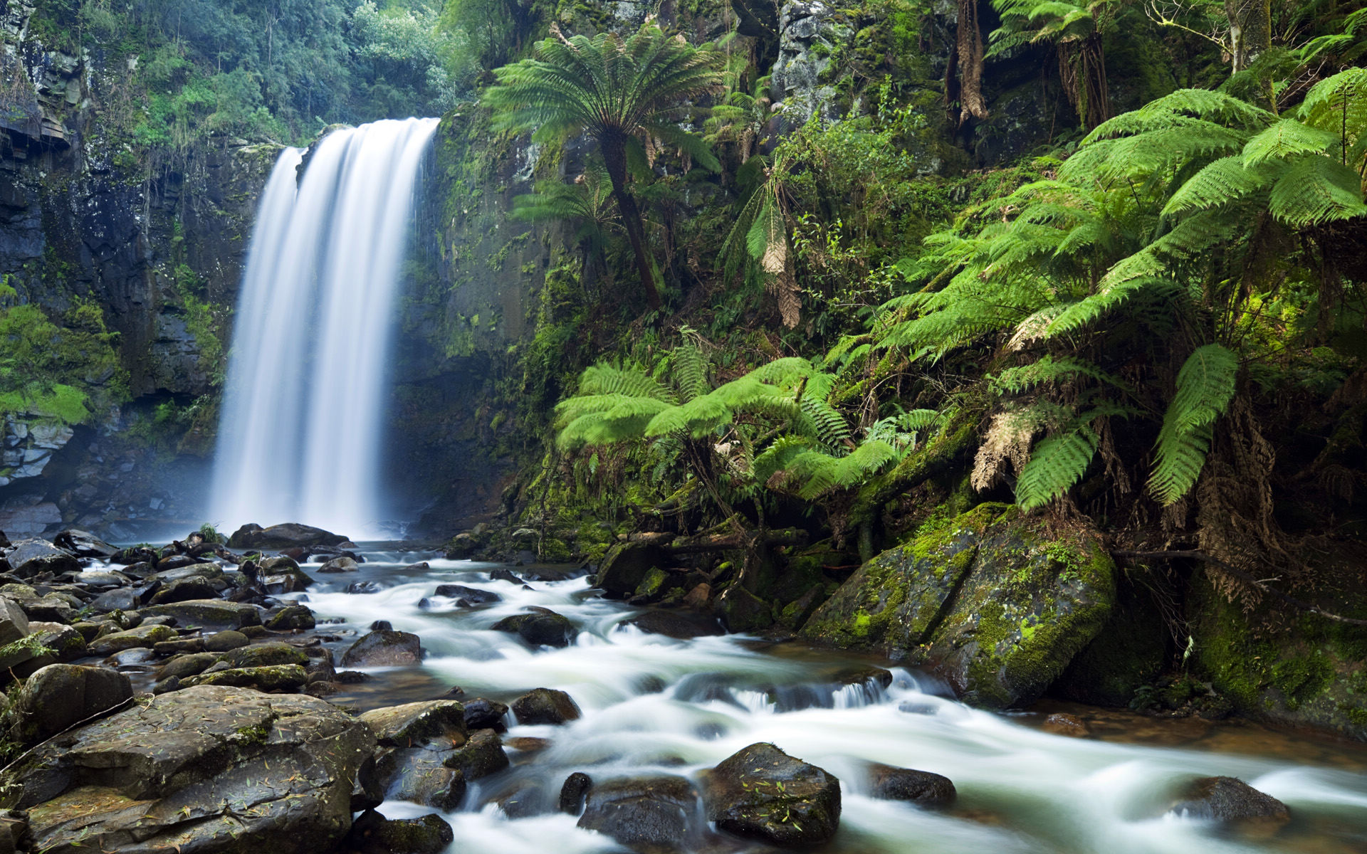 3d waterfall live wallpaper download which is under the waterfall 1920x1200