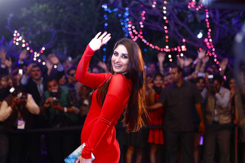 Kareena Kapoor Latest Kareena Kapoor Hot In Red HD Wallpapers 2015 1440x960