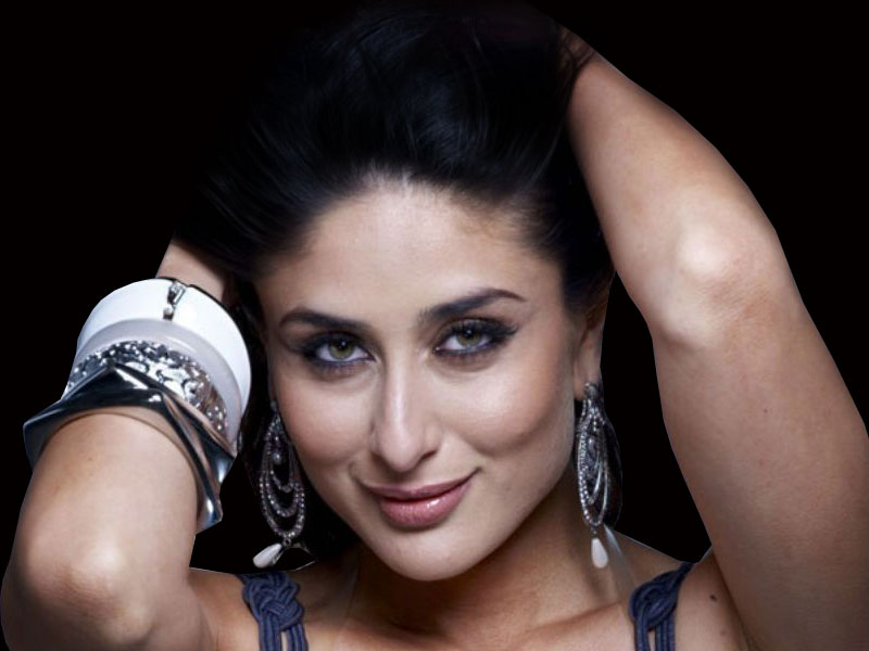 Download Sexy Actress Kareena Kapoor 2012 Wallpaper Wallpaper HD FREE 800x600