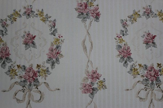 Vintage Wallpaper 1940s Roses Wreaths and Ribbons  Made in England 570x380