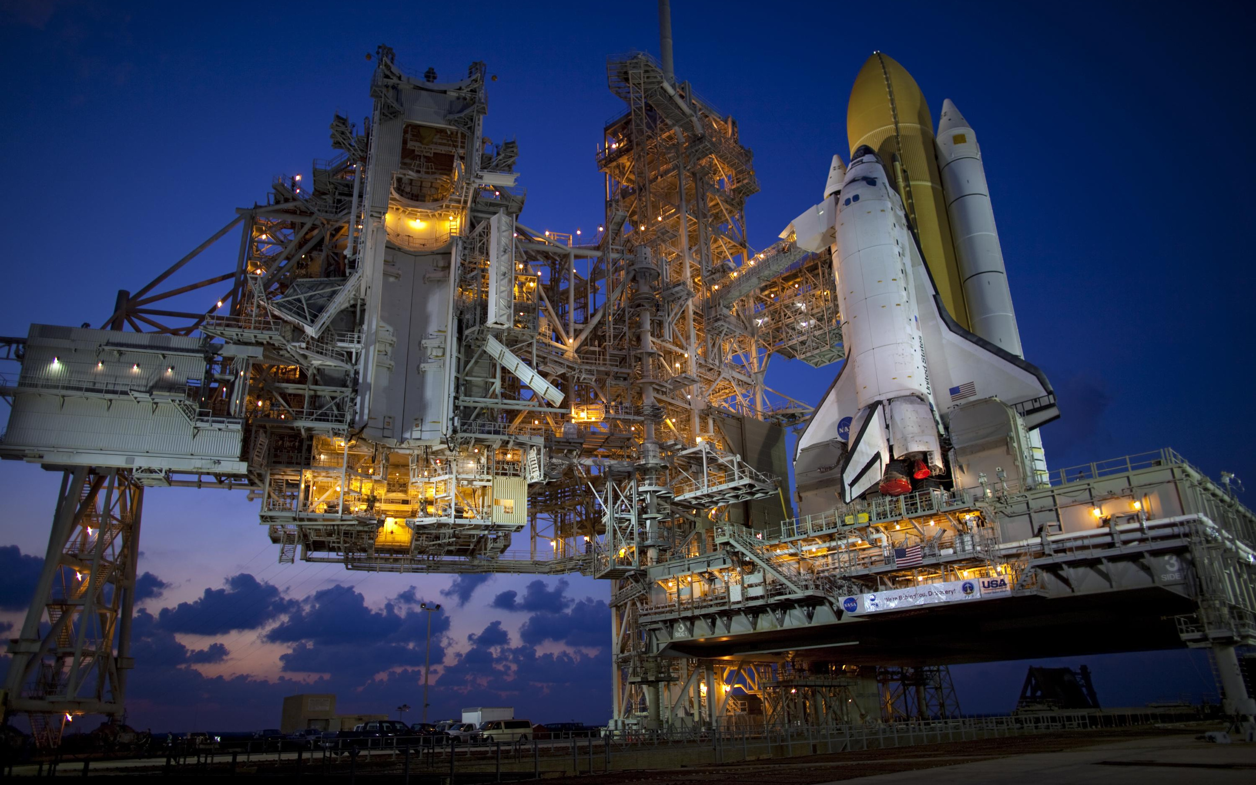 Space Shuttle Discovery HD Wallpaper Background Image 2560x1600