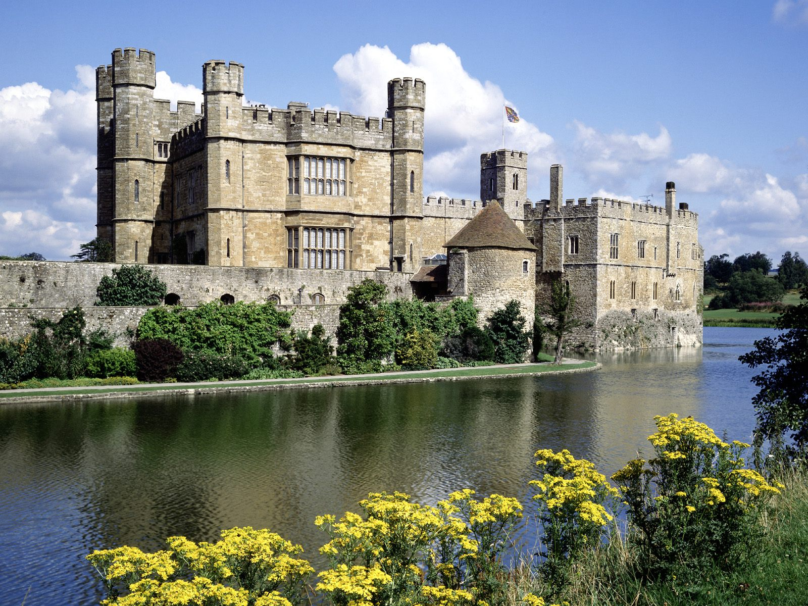 Leeds Castle Kent England Wallpapers HD Wallpapers 1600x1200