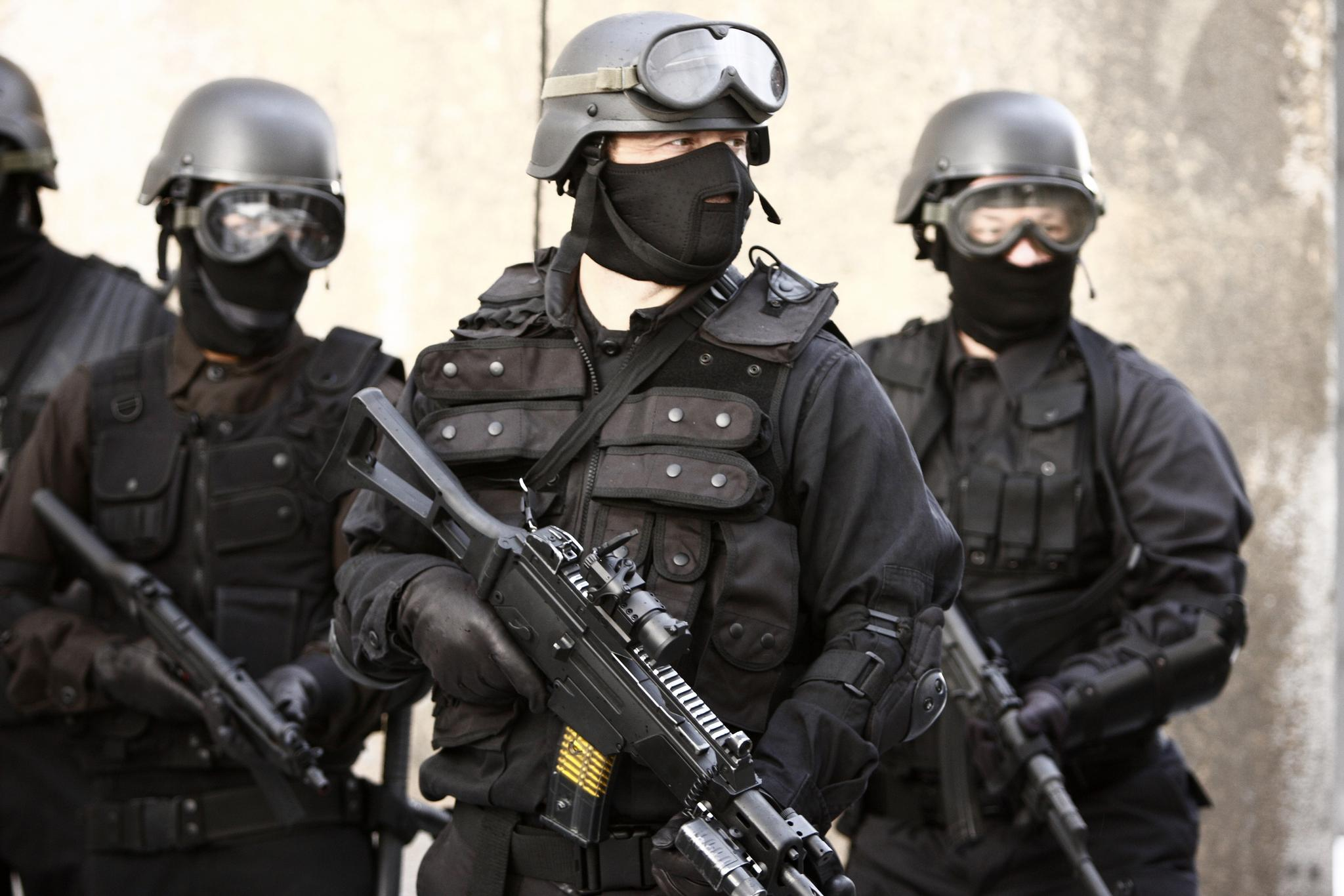 SWAT officer in full tactical gear   The Observation Deck 2048x1366