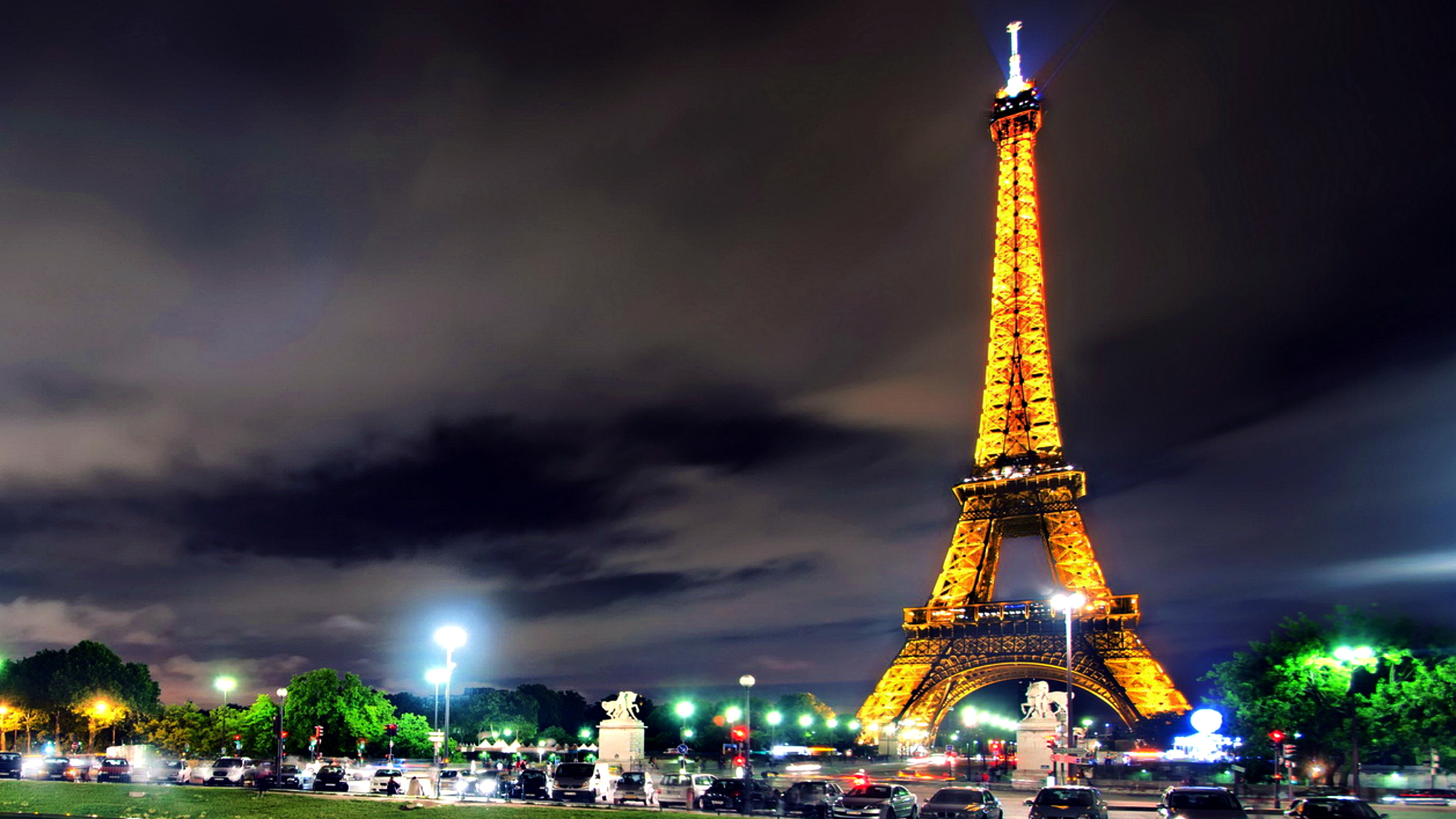 47 Eiffel Tower Cute Wallpaper On Wallpapersafari