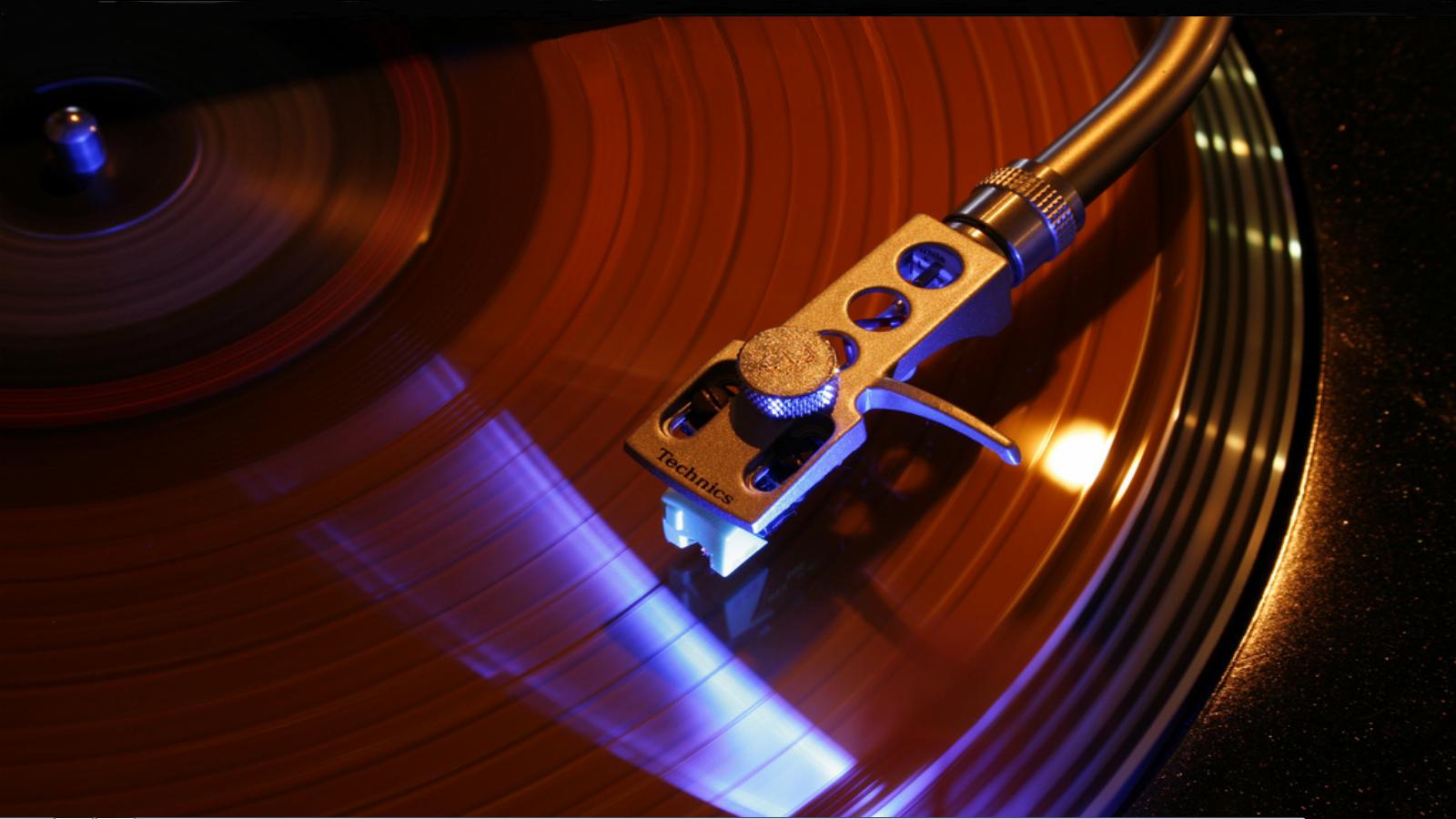 Record vinyl record player wallpaper 1600x900 226889 WallpaperUP 1600x900