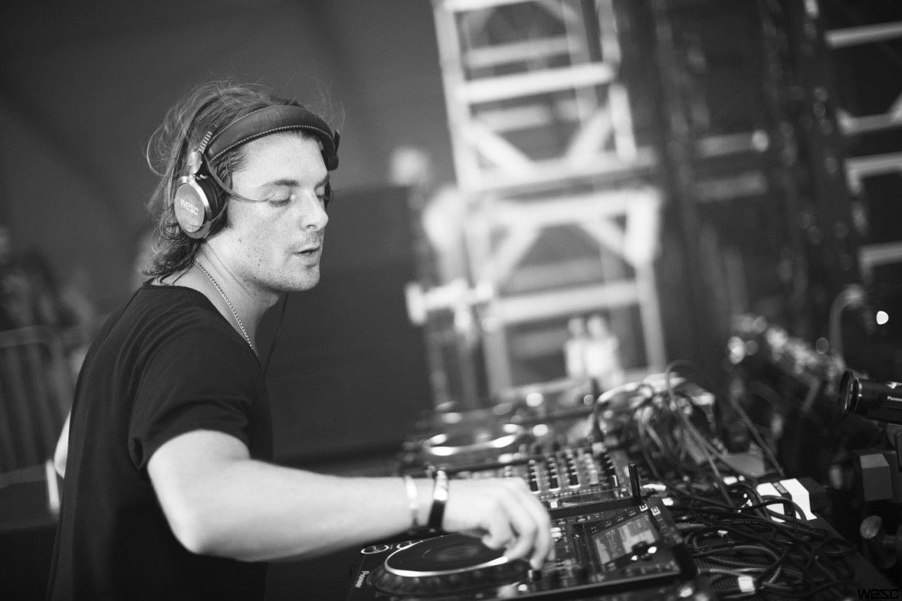 Axwell Wallpaper   Viewing Gallery 1280x853