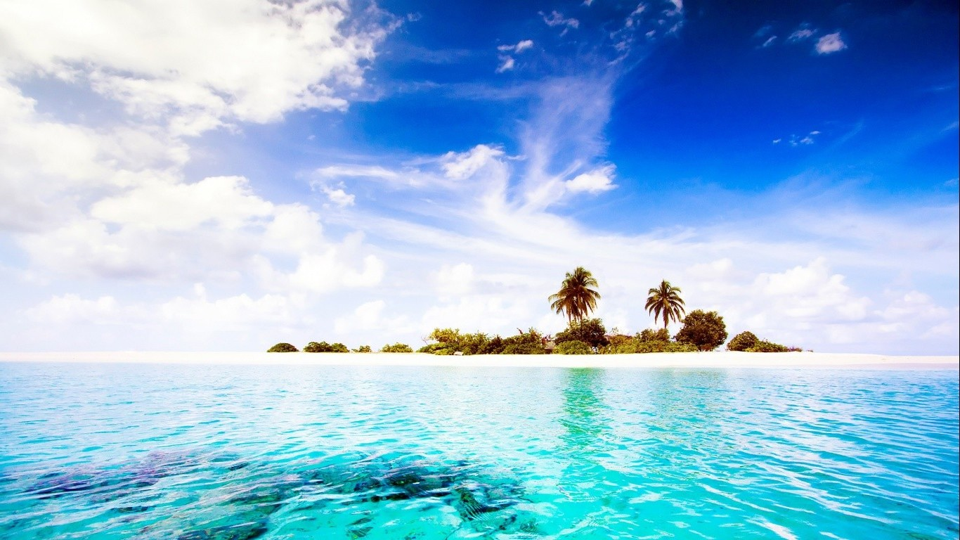 sea Dhiggiri Island Maldives Nature Clouds Water Sky 1366x768